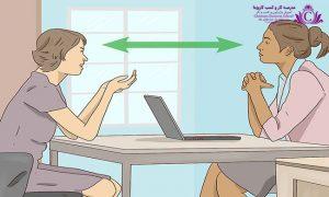 طرز نشستن در مذاکره فروش با زبان بدن