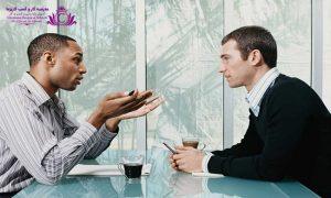 گفتگو دو طرفه است و بايد سعي کنيد در بين شنيدن و صحبت کردن داراي برقراري تعامل باشيد