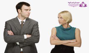 تماس چشمي در زبان بدن بسيار مهم است واگر شديد باشيد بر اين پيام است که داراي رفتار تهاجمي هستيد