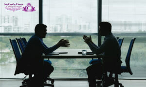 مورد مهمي که در داشتن مذاکره موفق بسيار تاثير گذار است استفاده از زبان بدن صحيح است