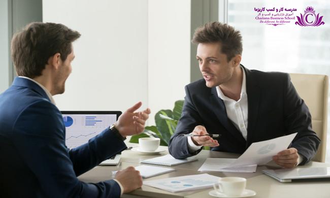 برای موفقیت بالای مالی، بهتر است از مشاوران مالی متخصص مشورت گرفت