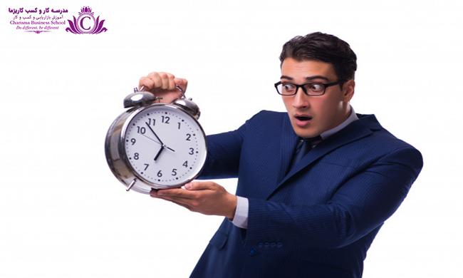 دير رسيدن ميتواند مبني بر بي احترامي، تنبلي و بي علاقگي باشد