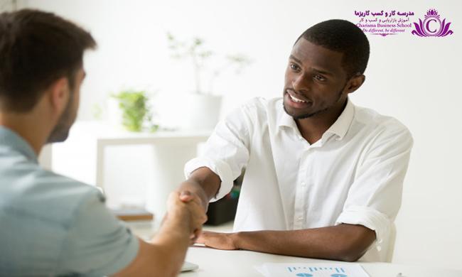 برای داشتن مذاکره موفق کاری کنید اولین پیشنهاد را شما بدهید تا تاثیر قدرتمندی در تصمیمات فرد بگذارد